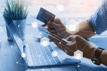 بررسی تاثیر مدیریت ریسک و موانع توسعه بانکداری الکترونیکی بر عملکرد مالی بانک ها